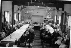2  Au repas des Anciens (1967)